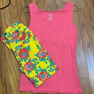 Lularoe leggings and tank outfit